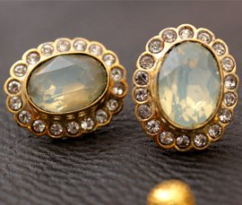 Vogue Crafts & Designs Pvt. Ltd. manufactures and exports diamond and gold jewelry earrings at wholesale prices