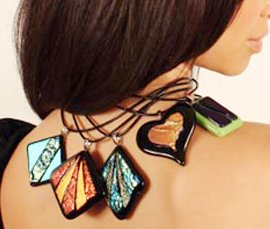 Vogue Crafts & Designs Pvt. Ltd. manufactures and exports fashion jewelry pendants at wholesale prices