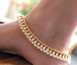 Vogue Crafts & Designs Pvt. Ltd. manufactures and exports imitation jewelry anklets at wholesale prices