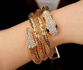 Vogue Crafts & Designs Pvt. Ltd. manufactures and exports metal jewelry bangles at wholesale prices