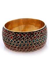 Vogue Crafts and Designs Pvt. Ltd. manufactures Green in the Center Metal Bangle at wholesale price.