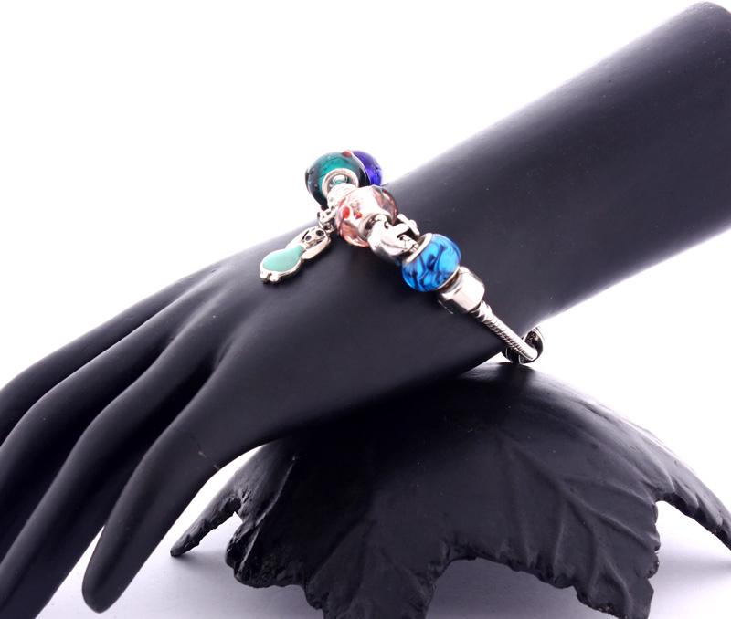 Latest Design Jewelry - Dog Charm Bracelet .