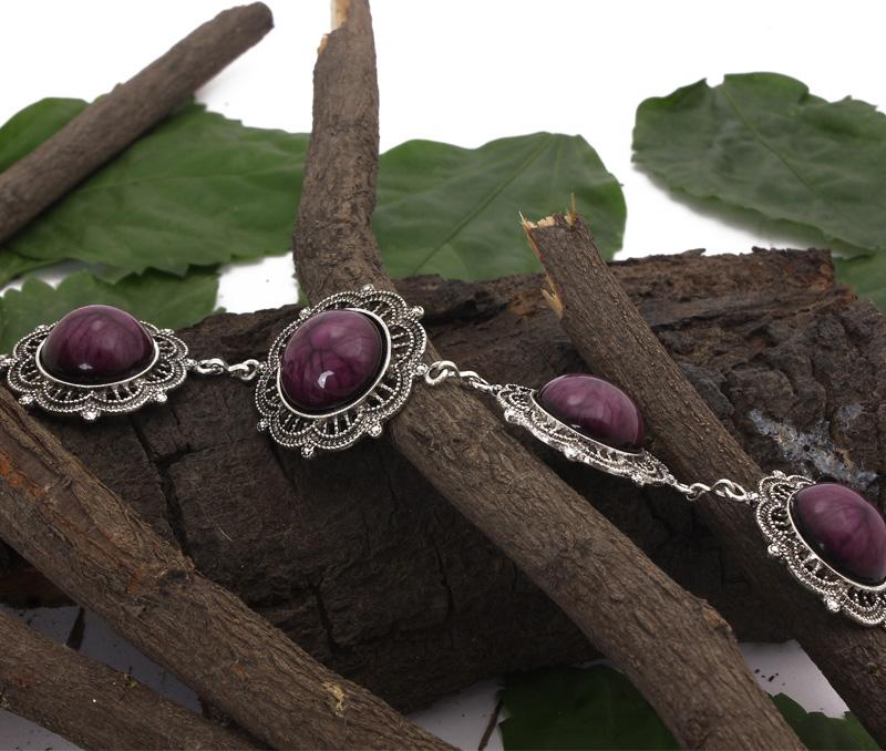 Vogue Crafts & Designs Pvt. Ltd. manufactures Ornate Frame Bracelet at wholesale price.