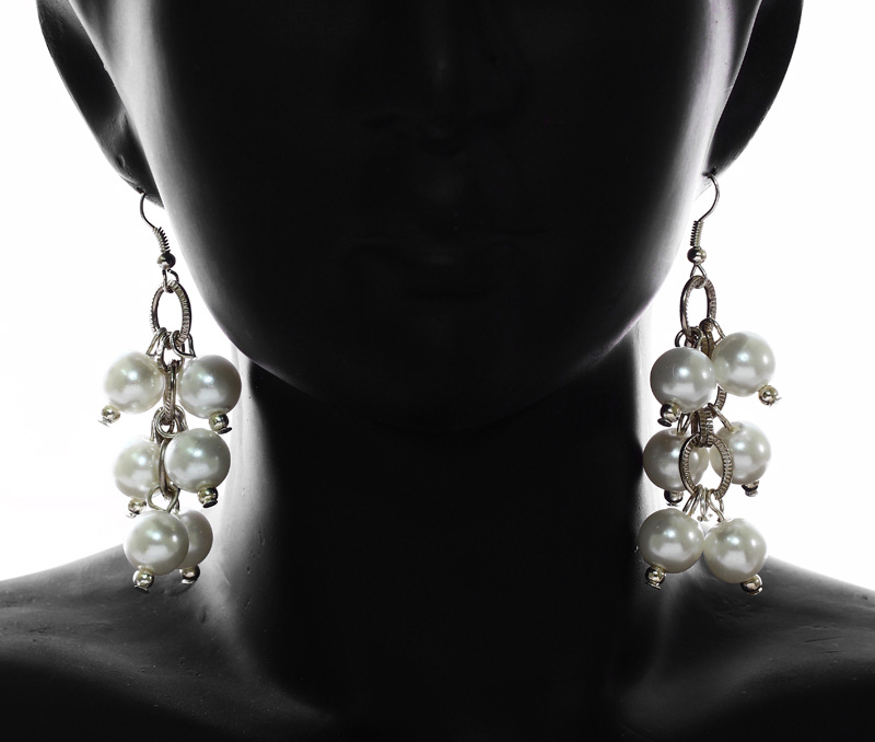 Latest Design Jewelry - Cluster of Pearls Earrings .