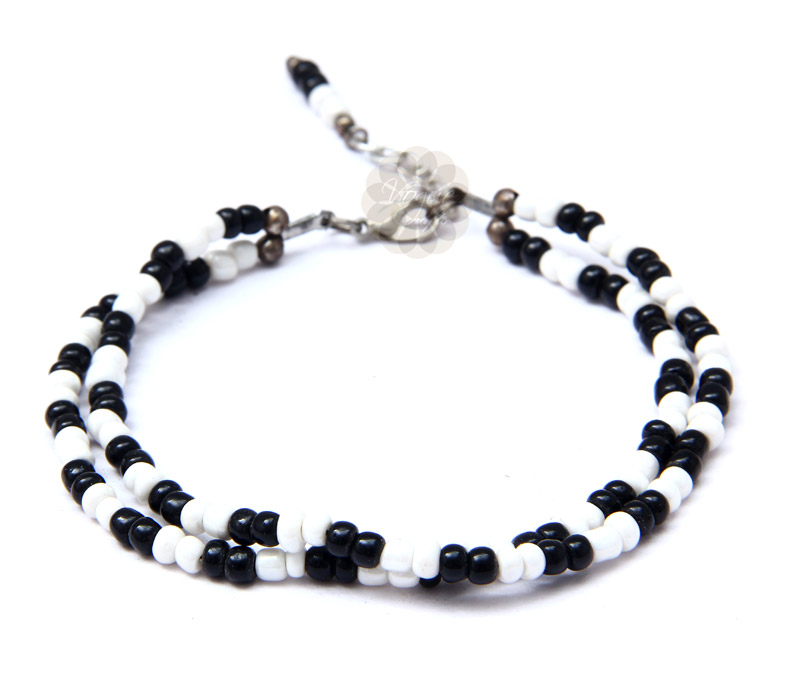 Latest Design Jewelry - Black and White Bead Anklet .