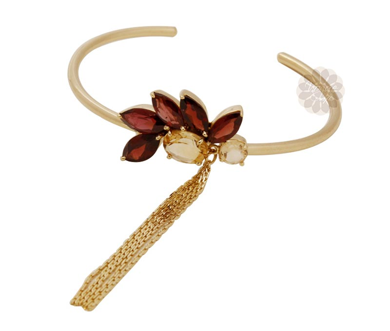 Vogue Crafts & Designs Pvt. Ltd. manufactures  at wholesale price.