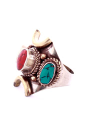 Vogue Crafts and Designs Pvt. Ltd. manufactures Three stone Ring at wholesale price.
