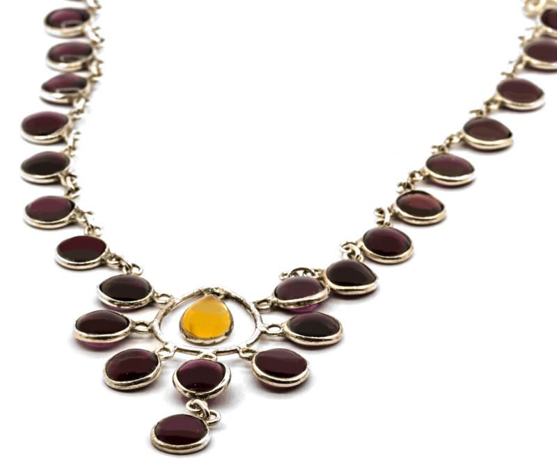 Vogue Crafts & Designs Pvt. Ltd. manufactures Maroon Stone Silver Necklace at wholesale price.