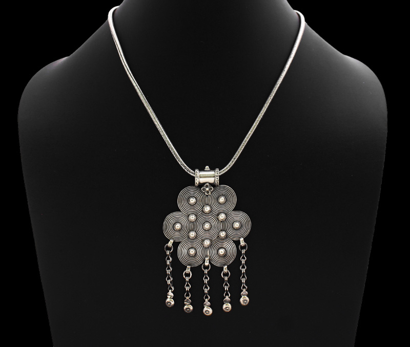 Vogue Crafts & Designs Pvt. Ltd. manufactures Designer Flower Silver Pendant at wholesale price.
