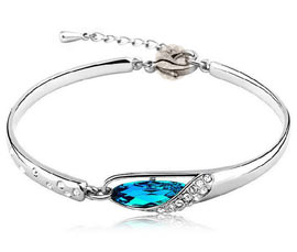 Vogue Crafts and Designs Pvt. Ltd. manufactures Sterling Silver Bracelet Bangle at wholesale price.