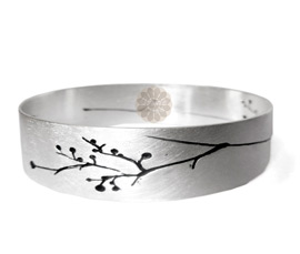 Vogue Crafts and Designs Pvt. Ltd. manufactures Engraved Silver Bangle at wholesale price.