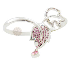 Vogue Crafts and Designs Pvt. Ltd. manufactures Silver Leaf Bracelet at wholesale price.