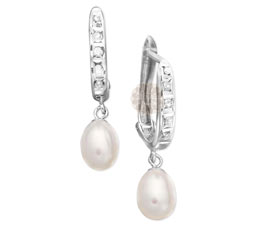 Vogue Crafts and Designs Pvt. Ltd. manufactures Designer Pearl Drop Silver Earrings at wholesale price.