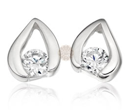 Vogue Crafts and Designs Pvt. Ltd. manufactures Silver Leaf Stud Earrings at wholesale price.