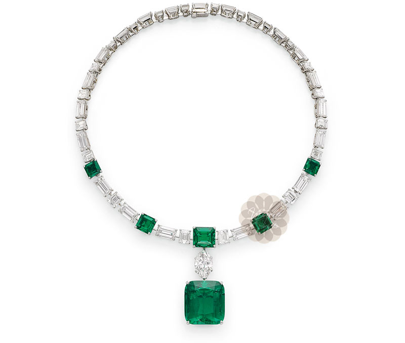 Vogue Crafts & Designs Pvt. Ltd. manufactures Emerald Stone Silver Necklace at wholesale price.