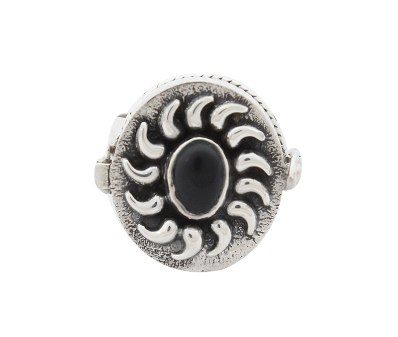 Vogue Crafts & Designs Pvt. Ltd. manufactures Traditional Black Stone Silver Ring at wholesale price.