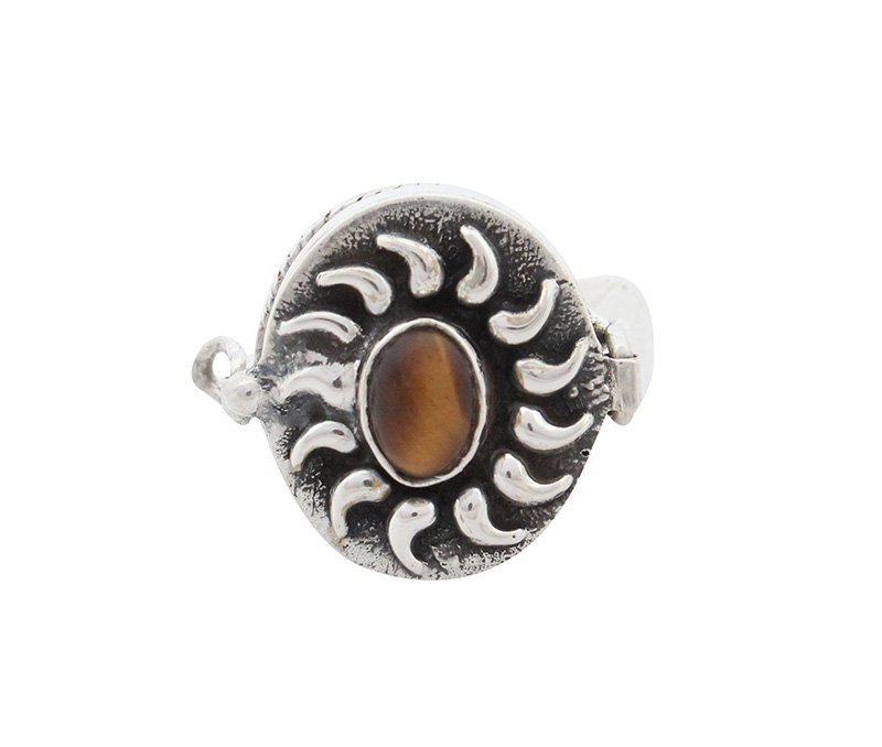 Vogue Crafts & Designs Pvt. Ltd. manufactures Traditional Brown Stone Silver Ring at wholesale price.