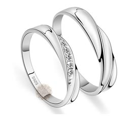 Vogue Crafts and Designs Pvt. Ltd. manufactures Twisted Silver Ring Set at wholesale price.